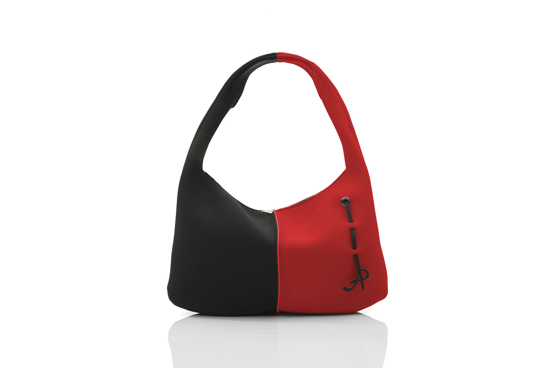 Around is a women's handbag from the SOFT line - AP collection by Artpelle.