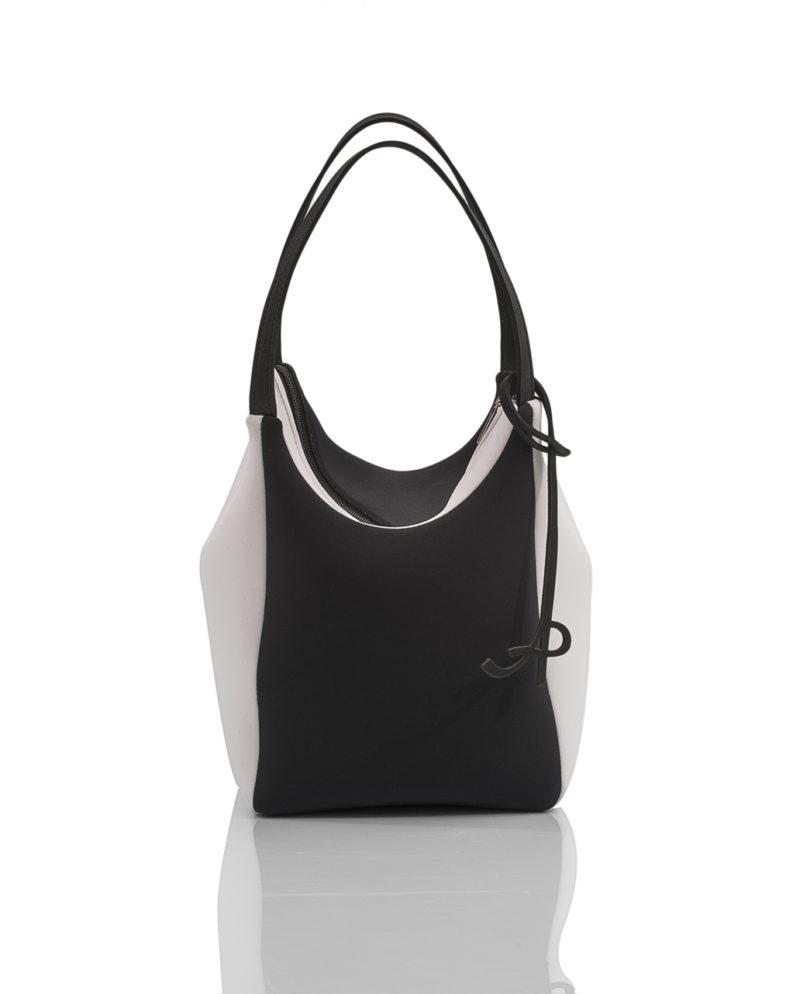 Square è una borsa da donna della linea SOFT, collezione AP di Artpelle.