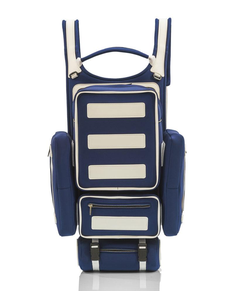 Tron Backpack unisex Un incredibile zaino interamente realizzato a mano, con materiali effetto neoprene.