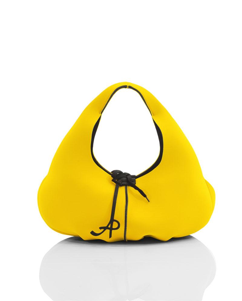 Folds è una borsa da donna della linea SOFT, collezione AP di Artpelle