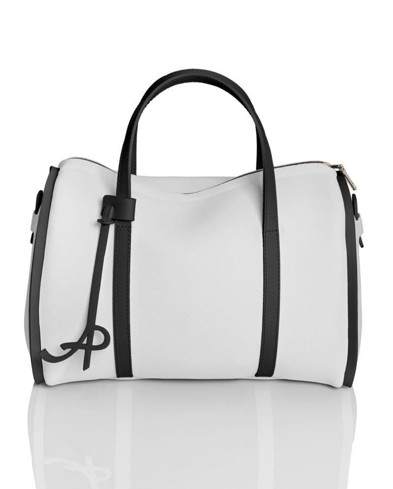 Bauletto è una borsa in materiale effetto neoprene della linea BASIC di AP bag - by Artpelle