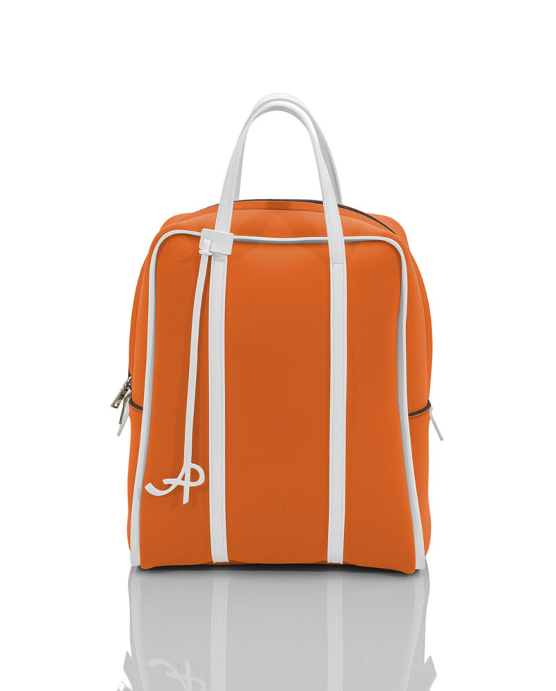 ZAINO BASIC è uno zainetto da donna in materiale effetto neoprene della linea BASIC di AP bag - by Artpelle