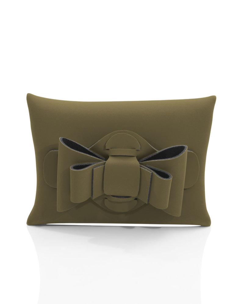 Pochette è una pochette in materiale effetto neoprene della linea Chérie di AP bag - by Artpelle